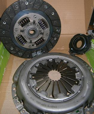 Clutch Kit, FIAT 124/2000 - (SKU 10-3676)